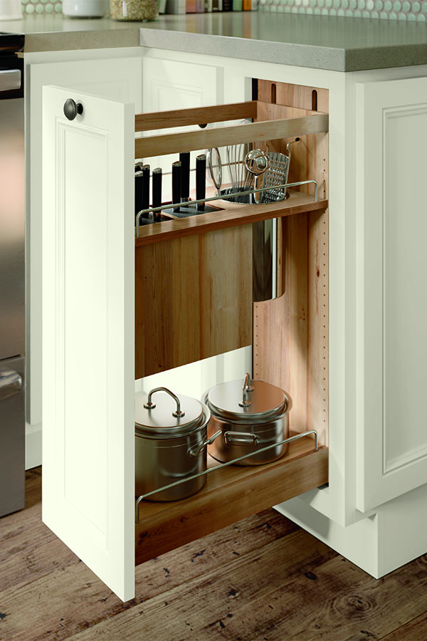 BASE UTENSIL PANTRY PULLOUT<br>WITH KNIFE BLOCK