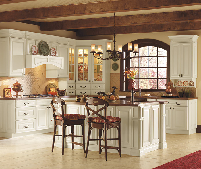 Traditional kitchen maple cotton