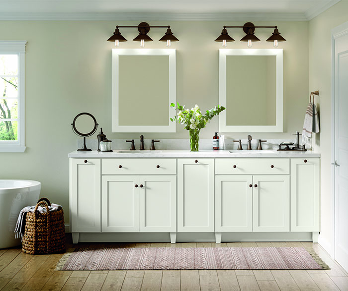 Casual bathroom maple white