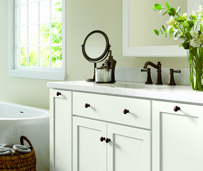 Casual bathroom maple white B3