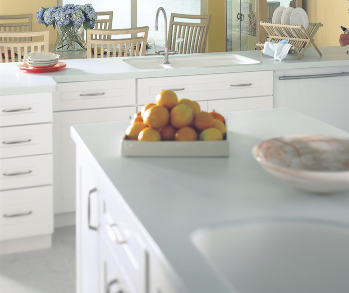Traditional kitchen maple white 2
