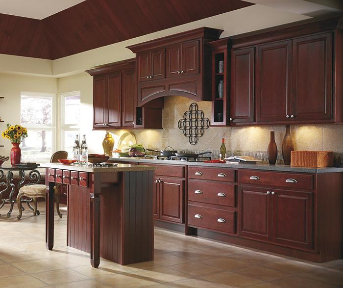 Harmonious Kitchen Paint Colors With Maple Cabinets: Hudson Maple Trestle