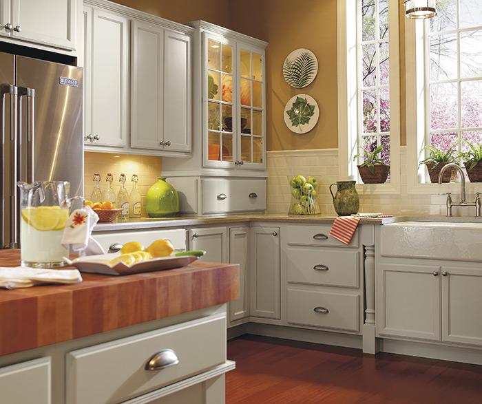 Traditional kitchen maple dover 2
