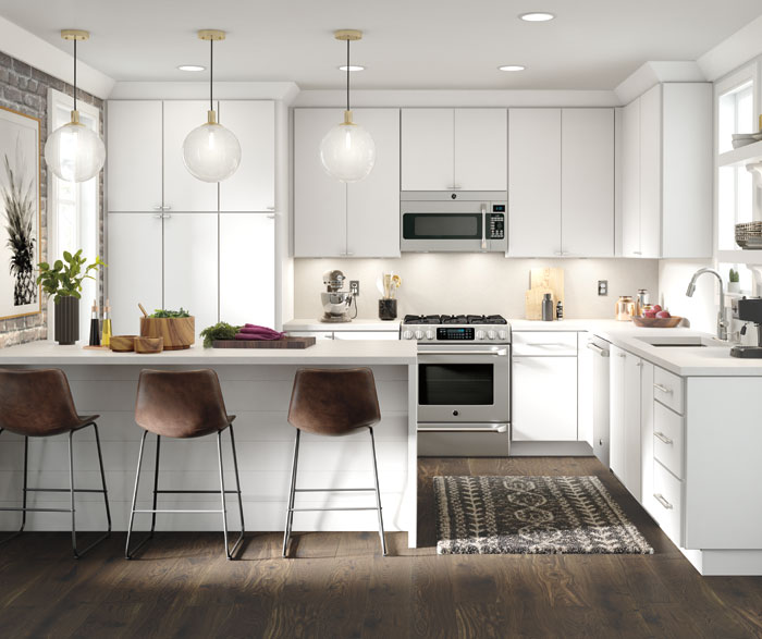 Casual kitchen maple white