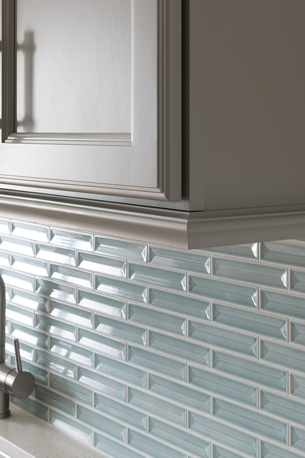 /-/media/thomasville/products/mouldings_accents/3lightrailsmmcldm2.jpg