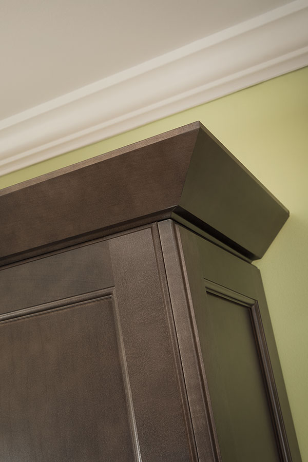 Thomasville Embellishments Straight Angle Crown Moulding